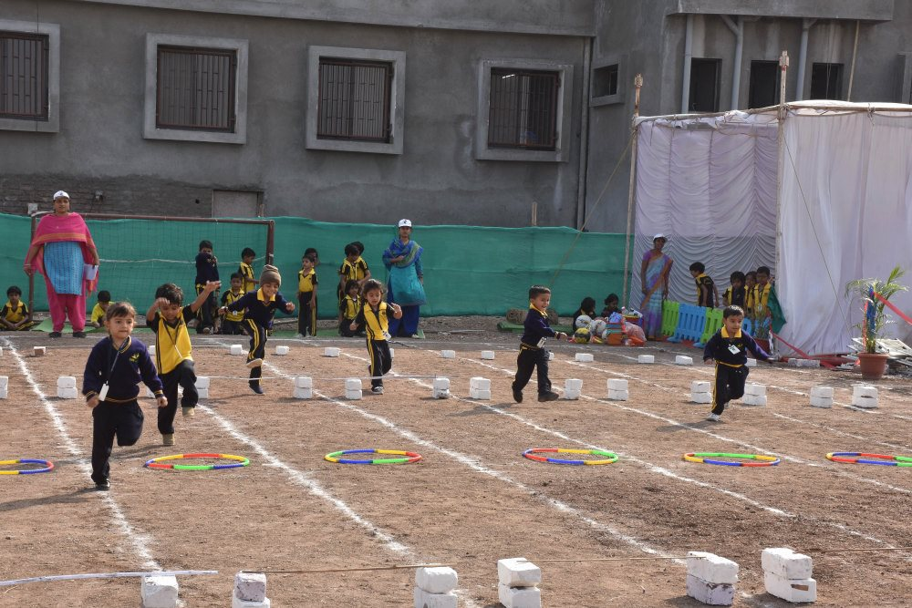 best cbse school in amravati cbse patttern school lkg ukg preprimary primary grade 1 to 5 sport jump and run