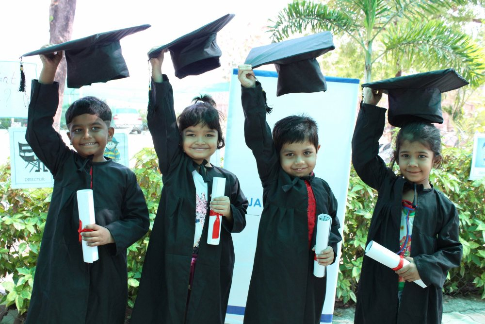 best schools cbse pattern schools in amravati vijaya convent convocation day blast of the students