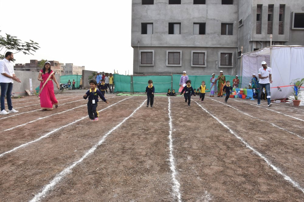 cbse school admission open annual sports meet vijaya convent kids in running race