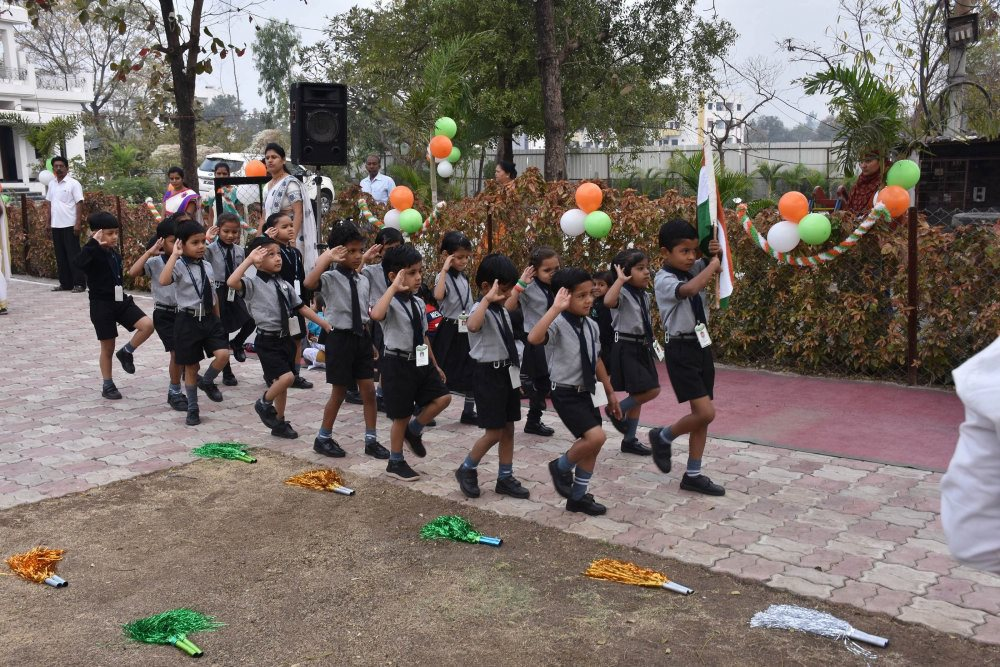 top schools in amravat vijaya school for excellence independence day celebration in the campus ground