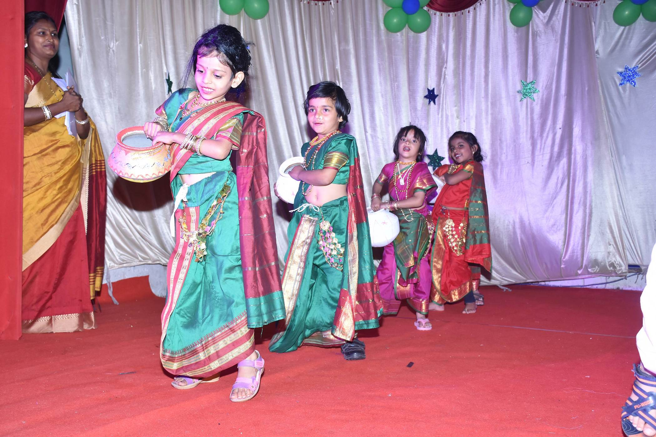 vijaya convent all girls dance performance annual function at the stage