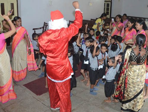 vijaya convent school christmas celebration in the classroom