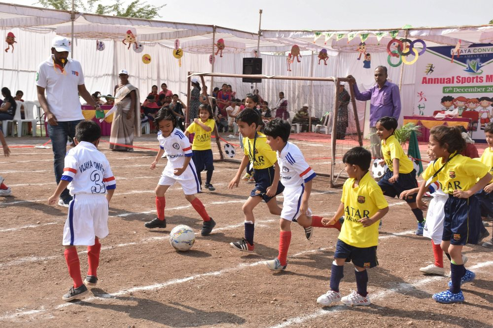 which is top school in amravati vijaya school for excellence kids school vijaya school playing football game sports day