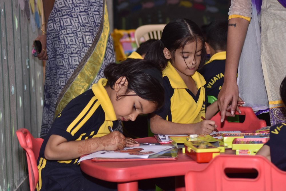 which is top school in amravati vijaya school for excellence painting of students