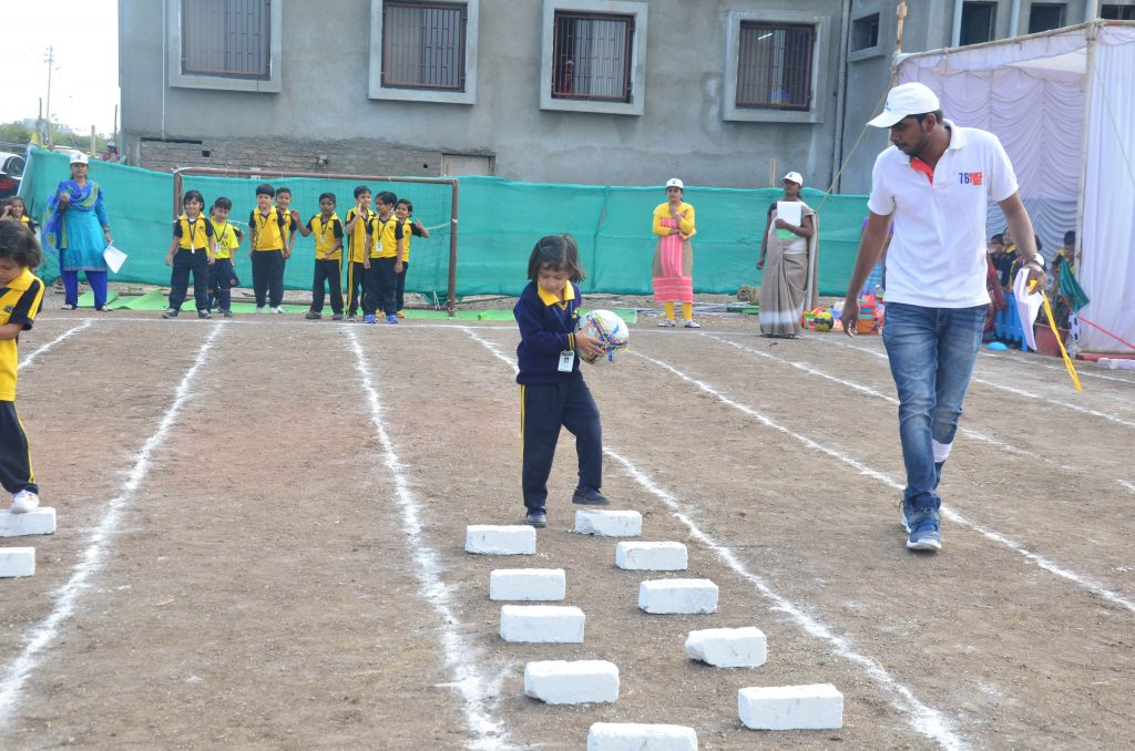 which school is top cbse pattern best school in amravati outdoor games vijaya convent talented kids