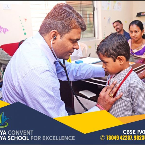 health checkup at vijaya convent student health care we care we are caring for student the best cbse school in amravati top 10 school name in amravati