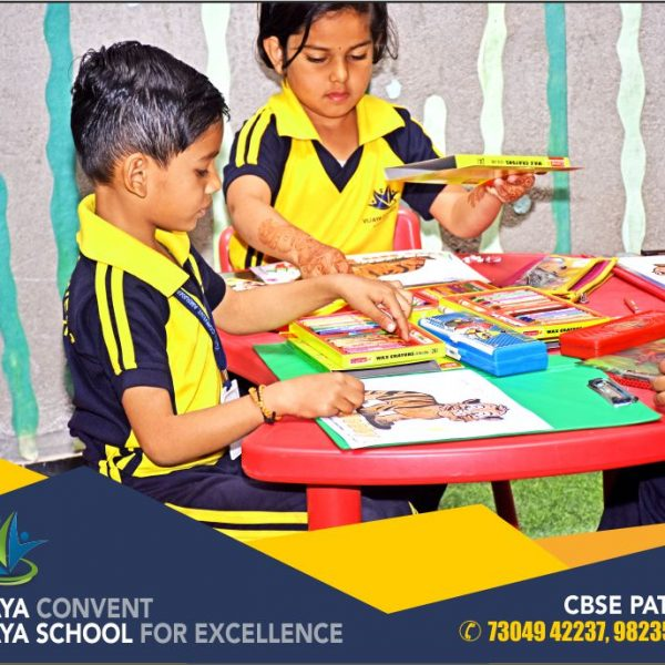 students-best-award-winning-school-in-amravati-award--winning--english-medium-school-in-amravati-which-is-best-school-in-amravati-best-school-interiors-best-classrooms-rich-people-school