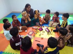 teaching-color-activity-vijaya-convent-school-amravati