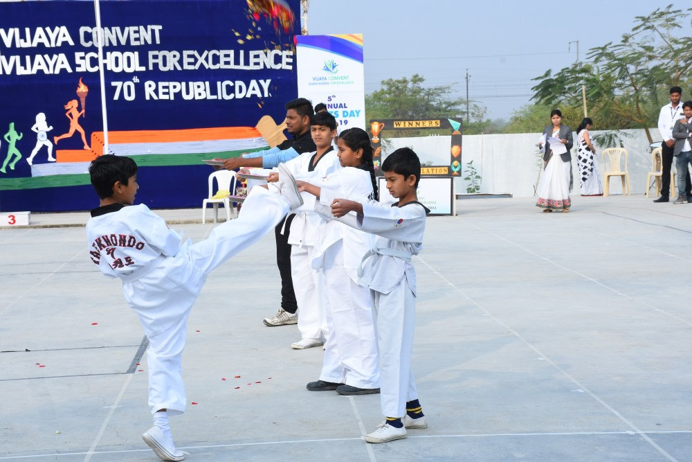 takadoo-on-republic-day-at-vijay-convent-amravati