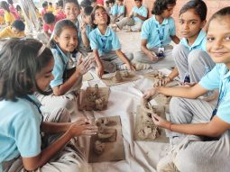 Ganesh-making-in-play-school-in-amravati