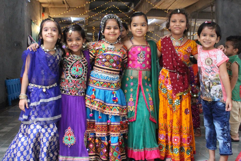 kids team festival activity girls vijaya convent enjoing the festival