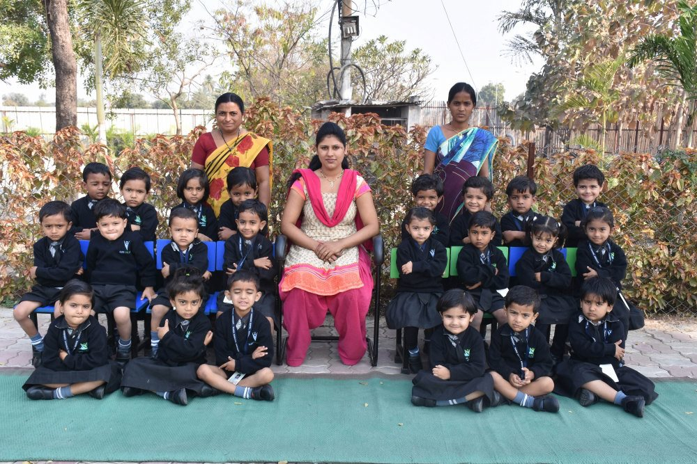 cbse pattern english medium schools in amaravati vijaya-convent