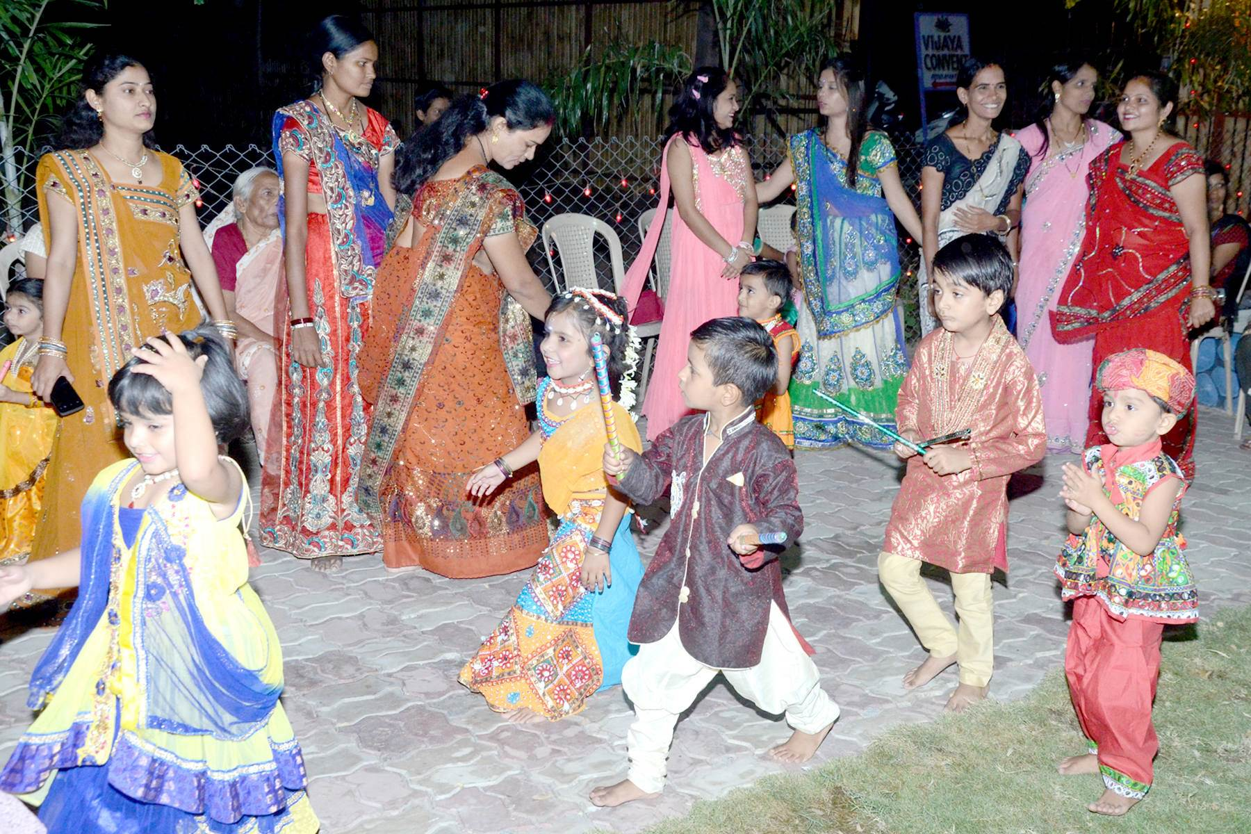 vijaya convent school dandiya celebration kids and teachers in the campus ground