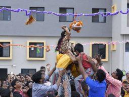 janmashtami-and dahi-handi-celebrated-in-play-school-in-amravati