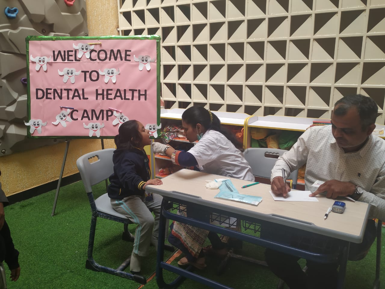 best-cbse-school-dental-health-camp-vijaya-convent-school-amravati