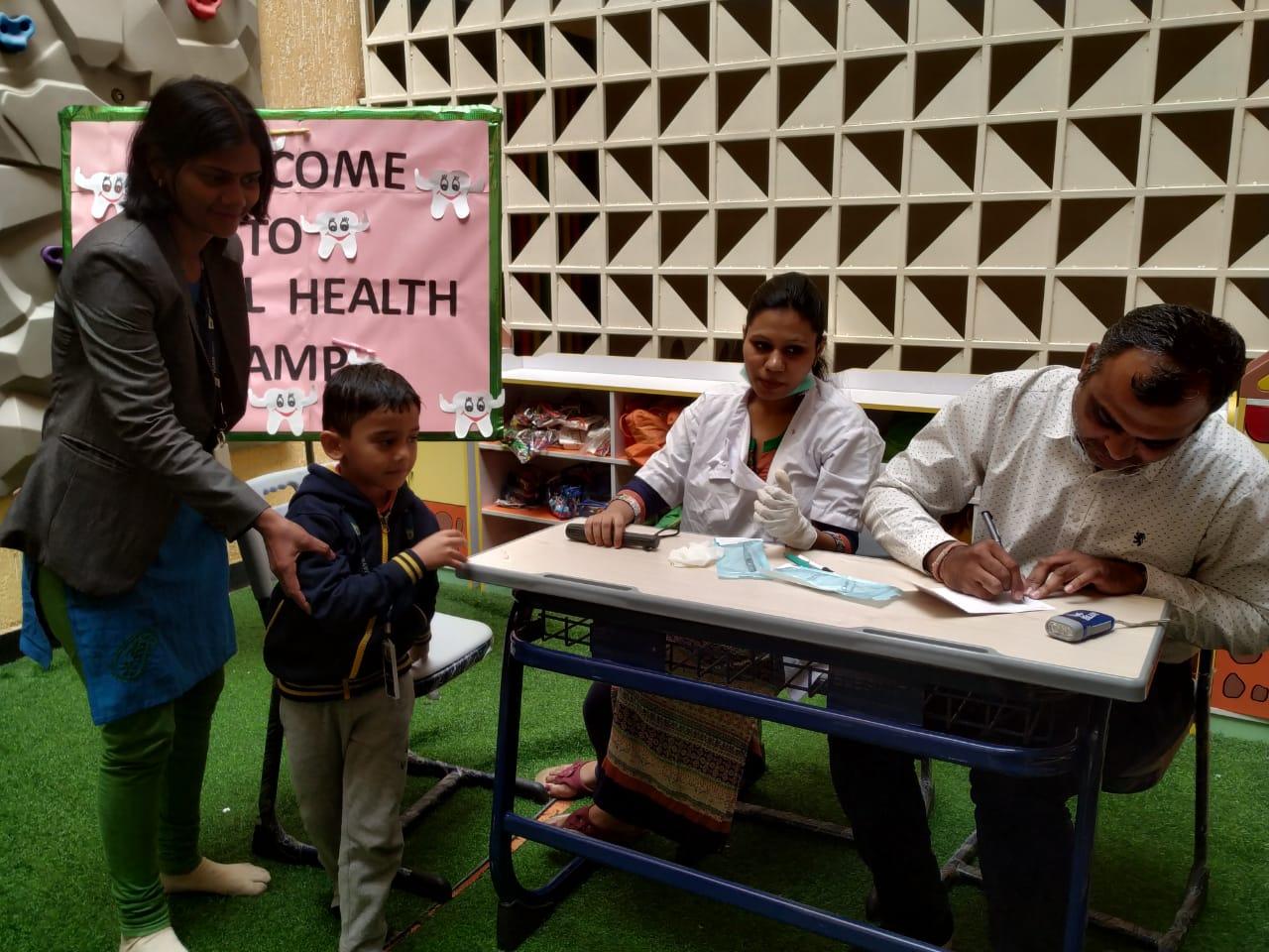 students-checkup-dental-health-camp-vijaya-convent-school-amravati