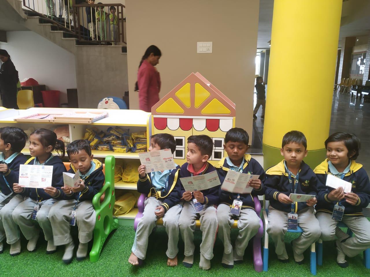 students-dental-health-camp-vijaya-convent-school-amravati
