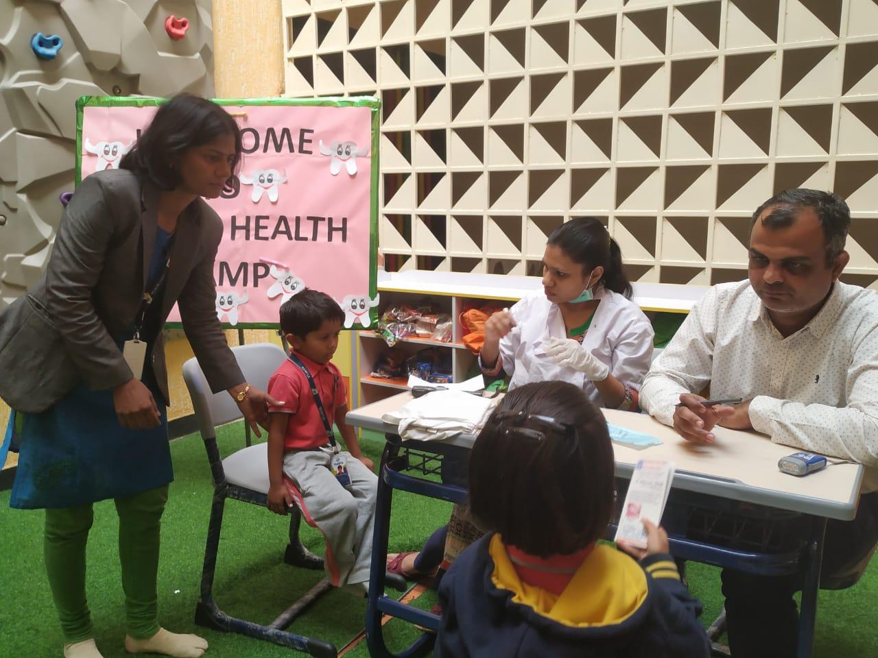 top-school-dental-health-camp-vijaya-convent-school-amravati